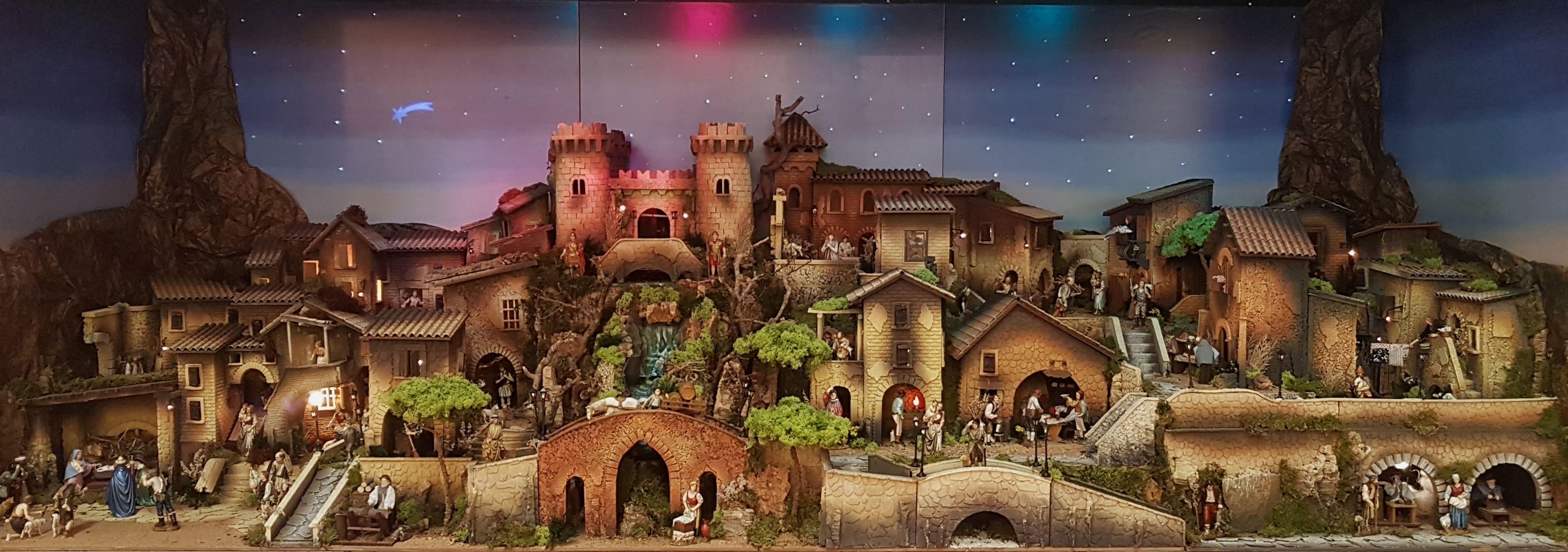Complete nativity scenes